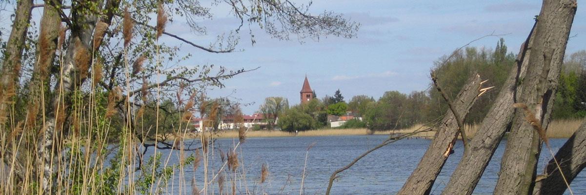 Klietz_See_Kirche