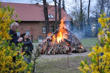 01 Osterfeuer in Klietz