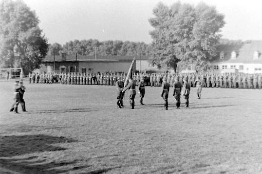 05 Übergabe der Regimentsfahne